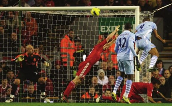 liverpool away 2011 to 12 kompany goal