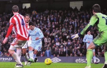 stoke home 2011 to 12 2nd aguero goal