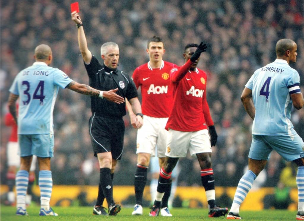 man utd fa cup 2011 to 12 kompany sent off6