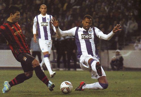 porto away 2011 to 12 aguero goal