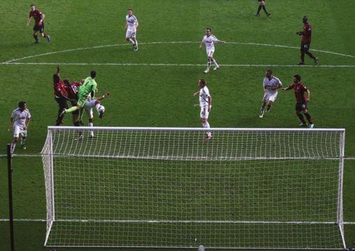 swansea away 2011 to 12 micah disallowed goal2