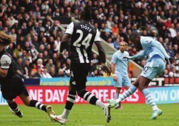newcastle away 2011 to 12 yaya 1st goal