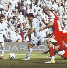qpr home 2011 to 12 aguero goal2