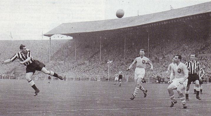 FA CUP FINAL 1954 to 55 milburn newcastle 1st goal