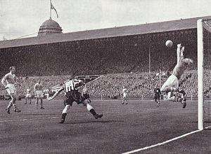FA CUP FINAL 1954 to 55 trautman save