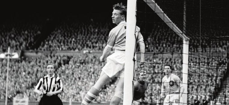 necastle 1955 fa cup final action6