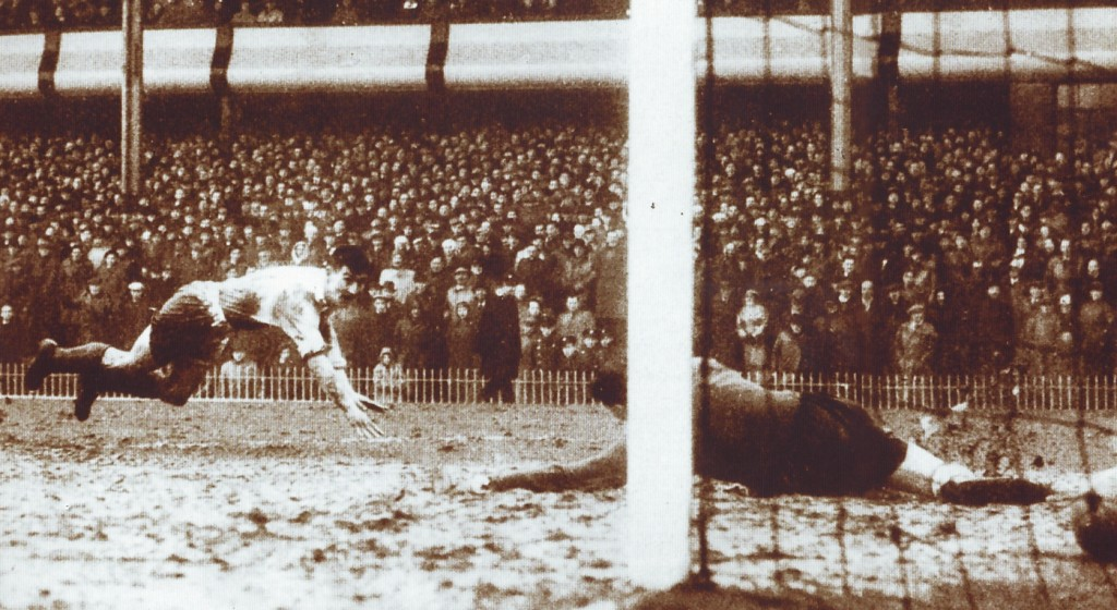 sunderland fa cup semi 1954 to 55 clarke winner
