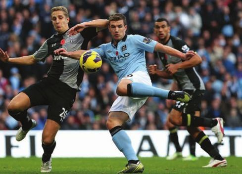 tottenham home 2012 to13 dzeko goal2
