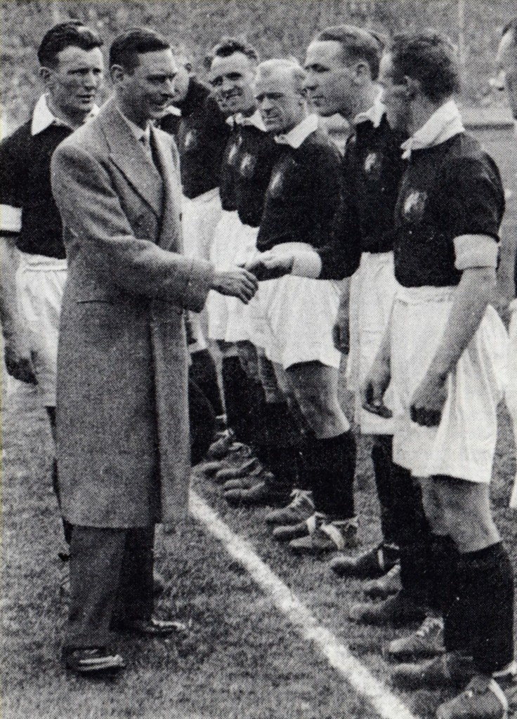 1933 facup final teams meet the future king george VI at the time duke of york