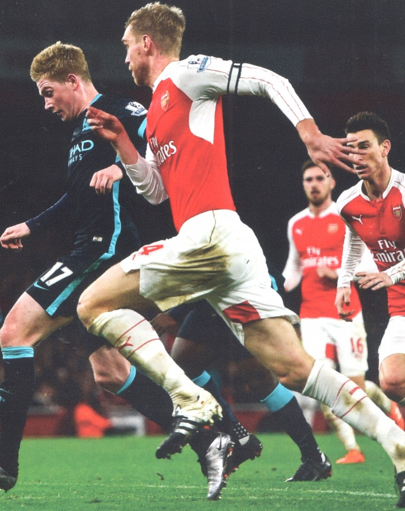 arsenal away 2015 to 16 action3
