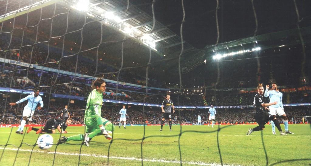 borussia moenchengladbach home 2015 to 16 sterling goal 2-2