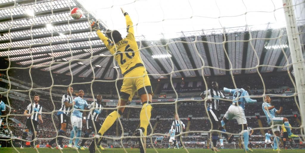 newcastle away 2015 to 16 aguero goal2