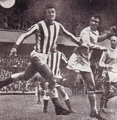 sunderland away 1968 to 69 summerbee 1st city goal