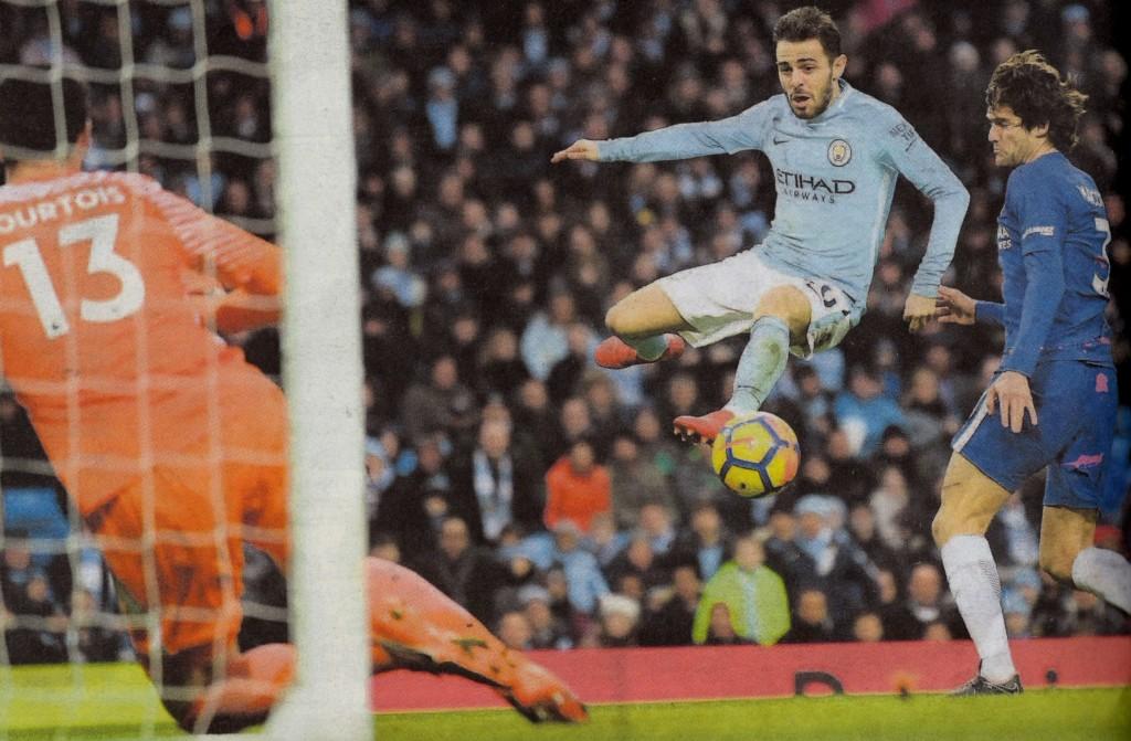 chelsea home 2017 to 18 Silva goal 5