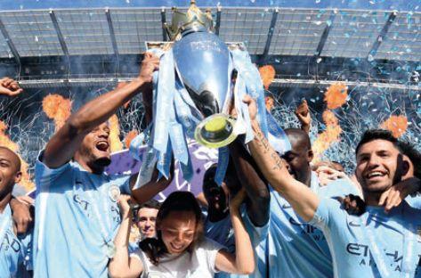 huddersfield home 2017 to 18 celebrate3