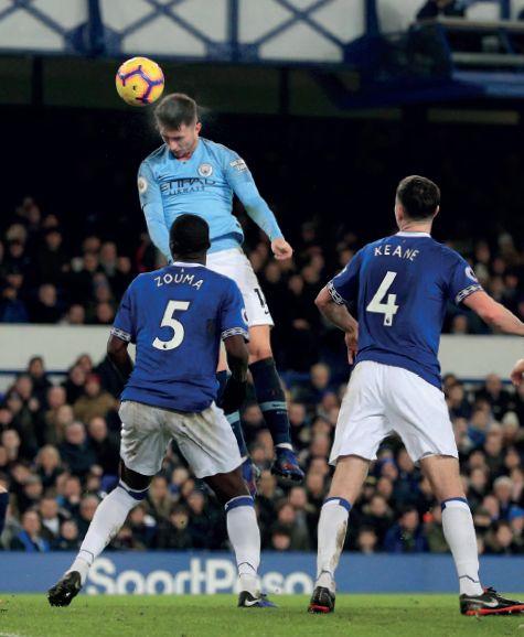 everton away 2018 to 19 laporte goal 1