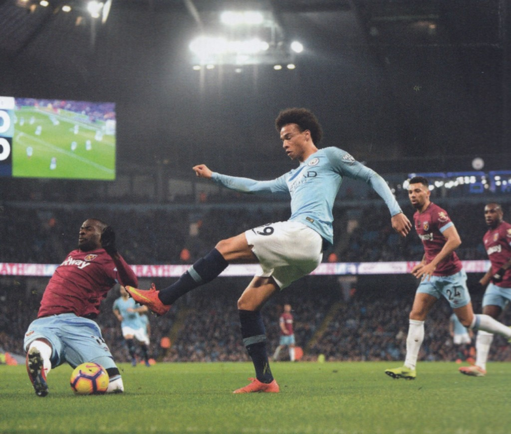 west ham home 2018 to 19 action5