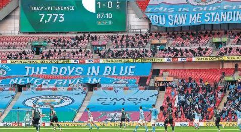 tottenham caraboa cup final 2021 fans2