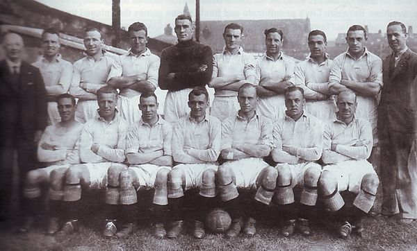 1935 to 36 team group