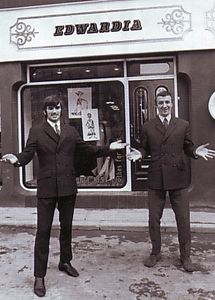1967-68 summerbee shop 1a