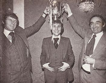 1975-76 league cup final celebA