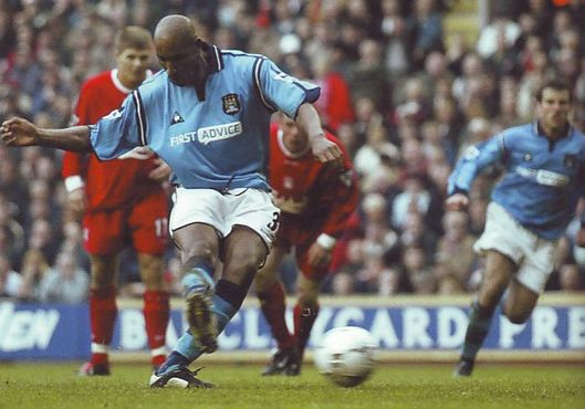 2002-03 liverpool away anelka penalty2