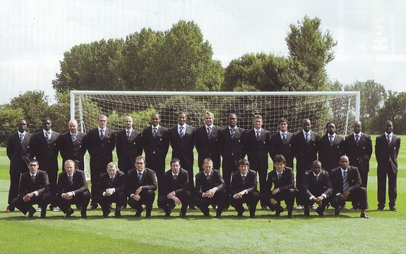 2005 to 06 team group in suits