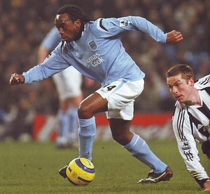 2005-06 newcastle home action2