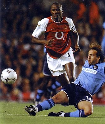 Arsenal away 2002 to 03 action2