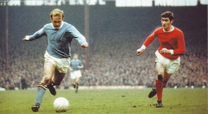 Man Utd Away 1969-70 action