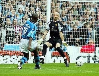 Man utd home 2002 to 03 goater 1st goal2