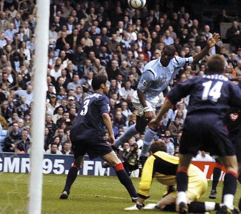 Pompey home 2004 to 05 distin goal