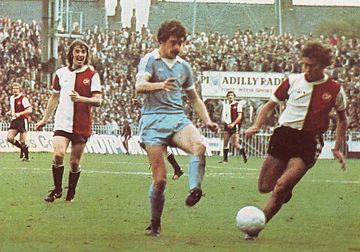 QPR HOME 1976 TO 77 action3