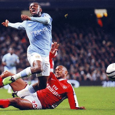 arsenal league cup 2009 to 10 action3