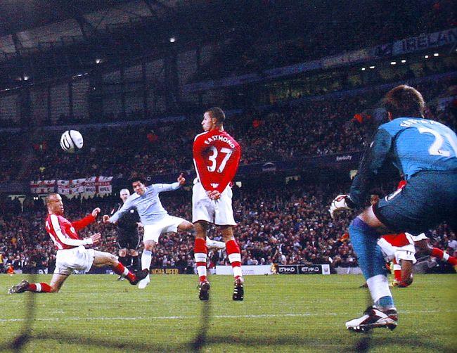 arsenal league cup 2009 to 10 tevez goal