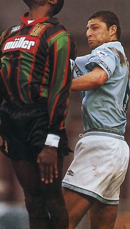 aston villa fa cup 1994 to 95 action2