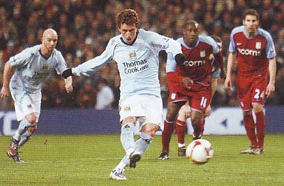 aston villa home 2008 to 09 elano goal