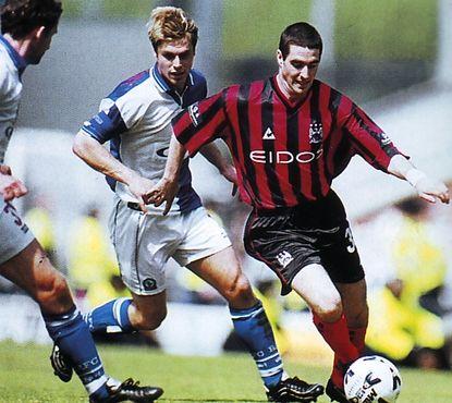blackburn away 1999-00 action