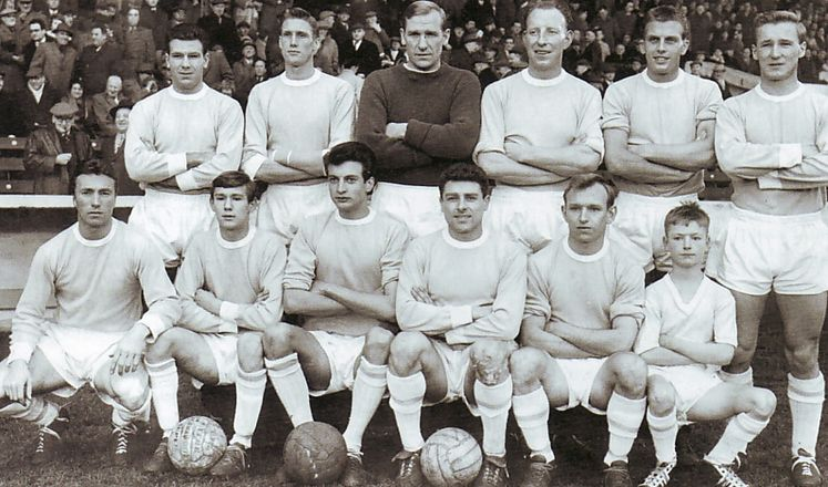 blackpool home 1961 to 62 team prior to game