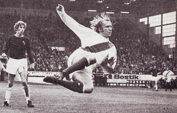 burnley away 1973 to 74 lee action