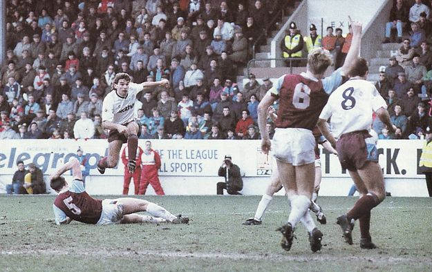 burnley fa cup 1990 to 91 action