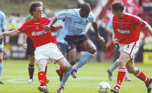 charlton away 2003 to 04 action5