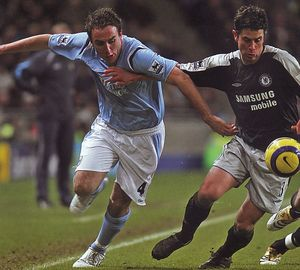chelsea home 2005 to 06 action2