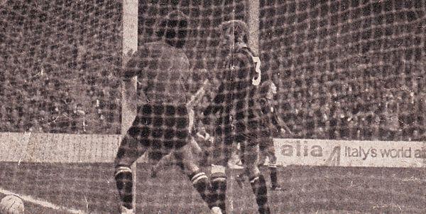 chelsea home ecwc 1970-71 chelsea goal healey error