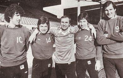 dennis tueart re-signs feb 1980