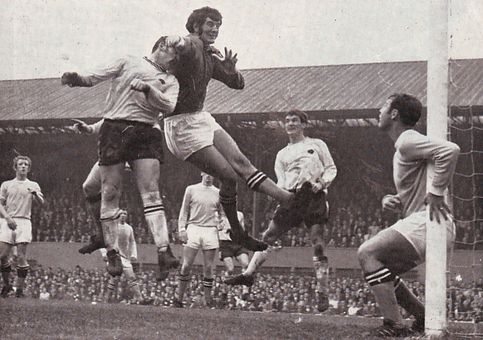 derby away 1969-70 action2