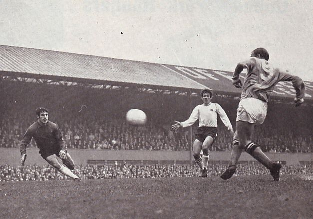 derby away 1969-70 lee goal