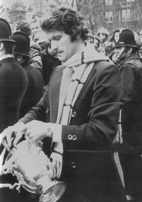 doyle albert square with cup 1975 to 76