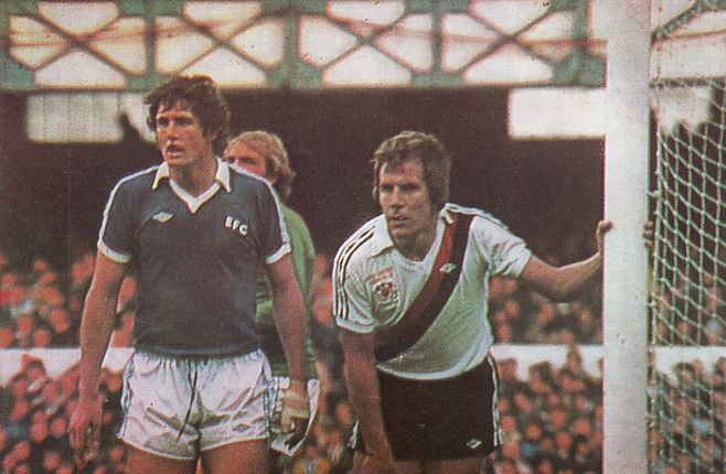 everton away 1977 to 78 action