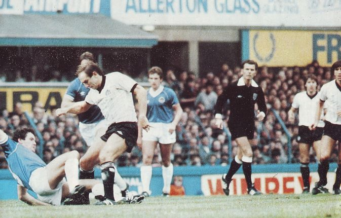 everton away 1982 to 83 action